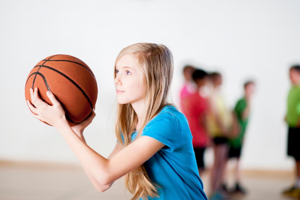 photo of girls playing basketball № 17616